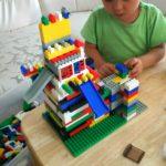 子どもに与えるブロックは、レゴよりも国産の「ダイヤブロック」が一番おすすめ!成長の遅い我が子の発達を手助けしてくれました。