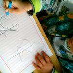 幼稚園年中さんの次男、小学校入学準備はじめました!「お箸」「ひらがなの読み書き」進みぐあいは?